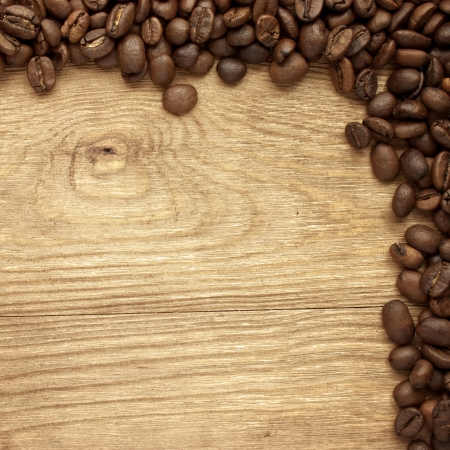 jamoke: Fresh coffee beans on wood and linen bag, ready to brew delicious coffee