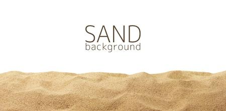 白の背景に分離された砂の散乱