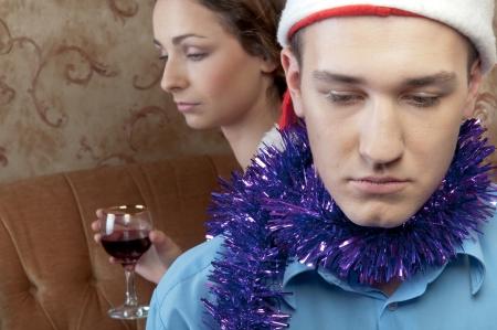 strife: Una coppia di giovani e belle stanno attraversando una lotta alla vigilia di Natale