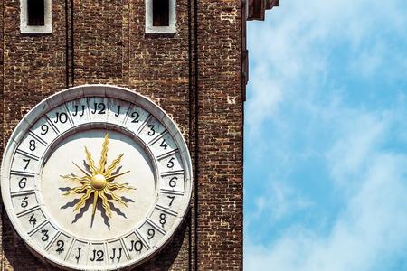 reloj de sol: reloj de sol en Venecia Foto de archivo