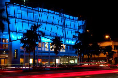 Zicht op kleurrijke 5e straat in South Beach in Miami Beach, Florida.