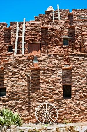 hopi: Hopi casa nel parco di nazione di grande canyon. Originariamente costruito nel 1905 come luogo a vendere souvernir e mestieri artigiani Hopi e quarti. Archivio Fotografico