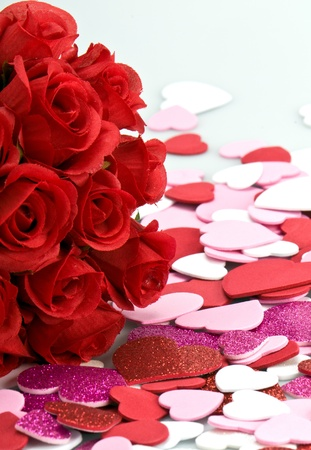 Bouquet of artifical red roses with valentines. Archivio Fotografico
