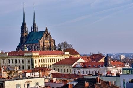Uitzicht op de Sint, Peter en Paul, Petrov, de kathedraal in Brno, Tsjechië