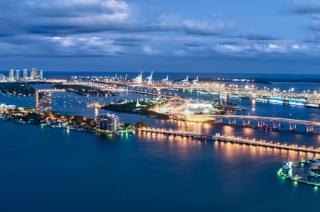 Aerial view  at night of the Miami Seaport, Miami Beach and Watson Island Imagens