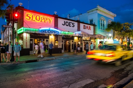 KEY WEST, FL - CIRCA 2012 Aussicht Slopppy Joe Standard-Bild - 19074785
