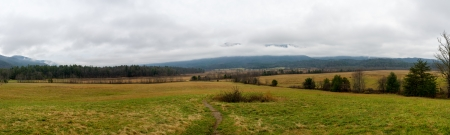 tn: View of the Valley in Cades Cove in Smoky Mountains National Park.