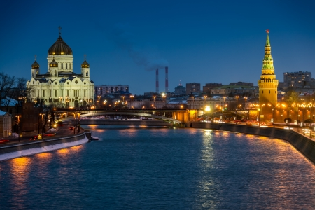 moskva river: View of the Moskva River with the Kremlin and Cathedral of Christ the Saviour at night