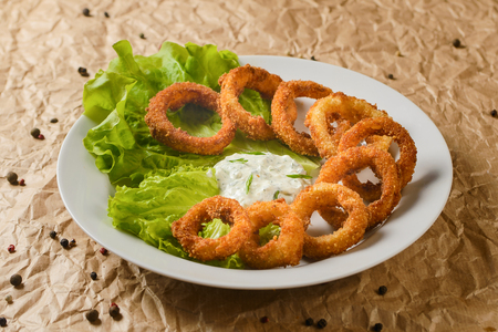 fried squid rings on plate 스톡 콘텐츠