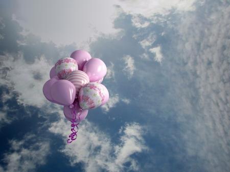 alegria: globos multicolores en el cielo, 3d render