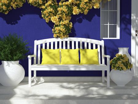 Vooraanzicht van de donkere blauwe huis met venster. Mooie gele rozen en bank op de veranda. Ingang van een huis.