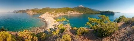 water s edge: bellissimo panorama della penisola e il mare calmo Archivio Fotografico