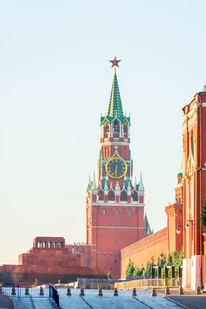 spasskaya: Spasskaya Tower of Moscow Kremlin chimes