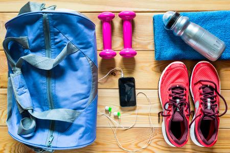 salud y deporte: Equipamiento deportivo está listo para usar una vista superior