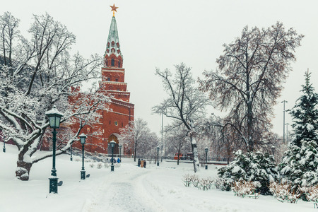 Walk at the Kremlin walls in winter Moscow, cityscape, Russia Stock fotó