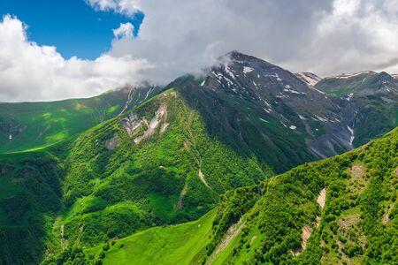 Magnificent picturesque Georgia, view of the beautiful Caucasus mountains Imagens