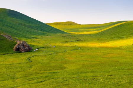 mountains of Armenia in June beautiful green valley of highlands Stockfoto