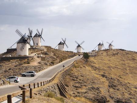 don quijote: Molinos de viento de Consuegra hito. Consuegra es famoso debido a los molinos de viento de Don Quijote de la Cervantes.