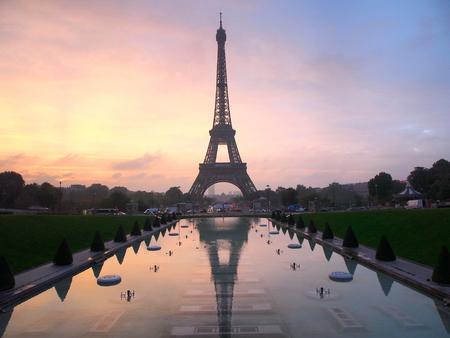 reflection: Eiffel Tower Trocadero water reflection sunrise autumn, pink clouds Stock Photo