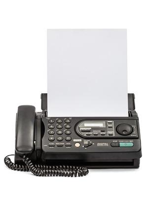 흰색 배경에 고립 된 문서와 팩스 기계
