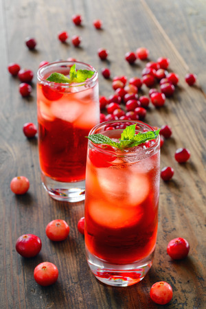 cranberry cocktail with ice