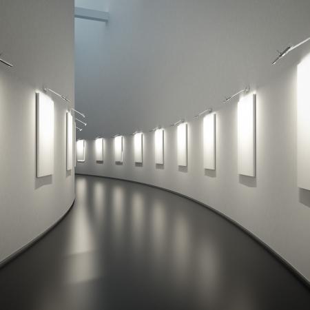 lege galerie in een lange hal Stockfoto