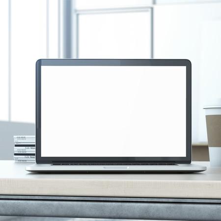 monitor de computadora: Computadora portátil en la mesa de madera Foto de archivo