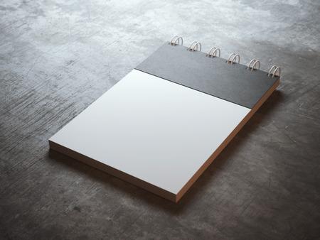 espiral: Cuaderno de espiral en blanco con la hoja de t�tulo negro