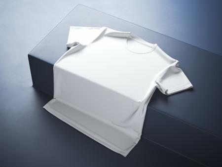 Witte t-shirt in de blauwe moderne studio