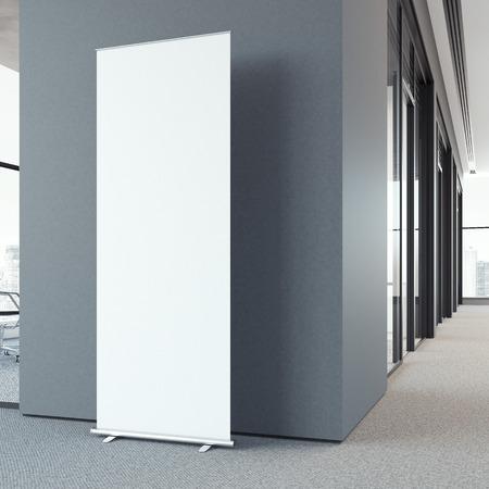 현대 로비에서 빈 롤 업 bunner. 3d 렌더링