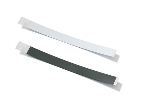 두 개의 빈 종이 wirstbands. 3 차원 렌더링