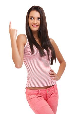 adolescente lindo posando sobre fondo blanco