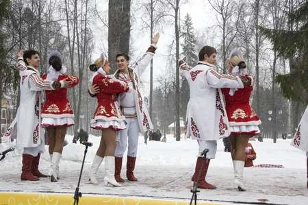 MOSCOW - FEBRUARY 25  Russian ensemble concert  Russian Song  for the Celebration of Shrovetide, a traditional Russian holiday  pancake week, maslenitsa  on Feb  25, 2012 in Moscow, Russia   Stock Photo - 12790399