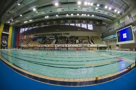 piscina olimpica: MOSCÚ - 06 de abril: Natación Deportes complejo de piscinas