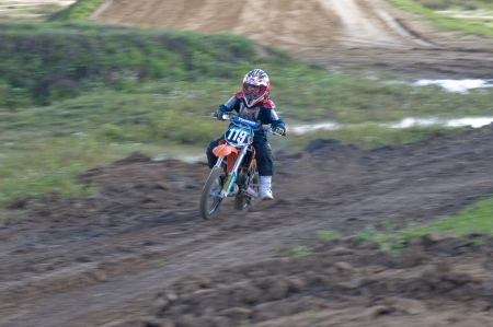motorsprot: MOSCOW-SEPTEMBER 8: Sazonov Arseny (command RRG-MOTO) in the Stage III Cup XSR-MOTO.RU Cross Country in Moscow, Sheremetyevo, motostadion