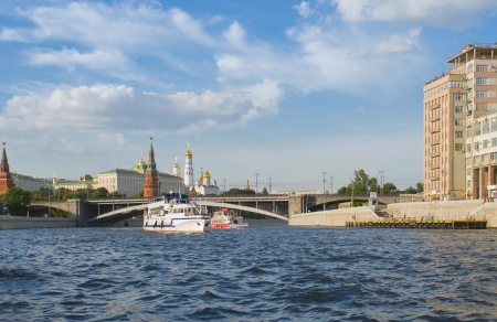 keel: Moscow river. Ship float on the Moscow river against the backdrop of the Moscow Kremlin.
