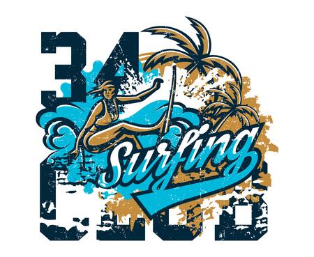 Design per la stampa su una maglietta, ragazza surfer che si snoda attraverso le onde. Sport estremo, spiaggia, costa soleggiata, lettering, testo. Illustrazione vettoriale, effetto grunge. Vettoriali