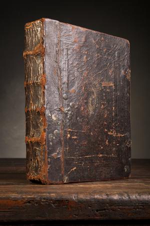 Cubierta de libro antigua Foto de archivo - 47170715
