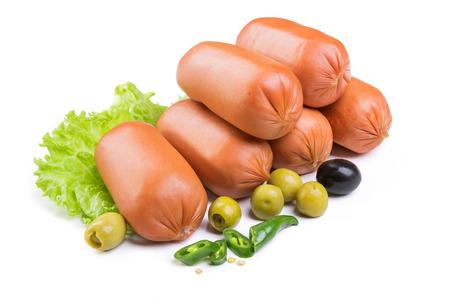 embutidos: Salchichas con lechuga y aceitunas