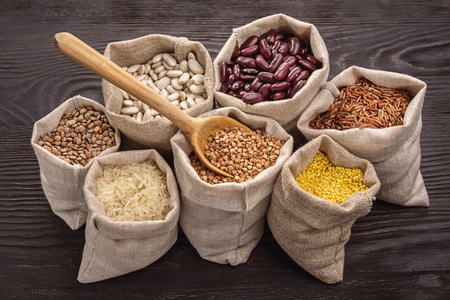 Cereals and beans in bags Stockfoto