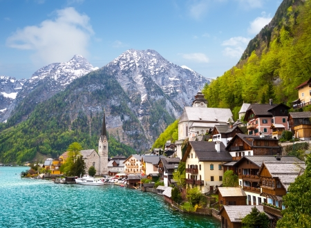 Beautiful summer Alpine Hallstatt Town and lake Hallstatter See view  Austria
