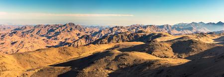 Panorama del desierto de arena y rocas del Sinaí, Egipto, África