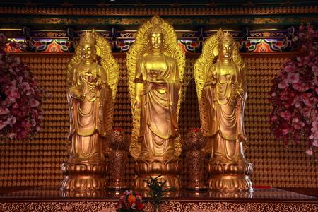 eden: His three Buddha temple Eden Editorial