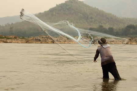 entrapment: Thailand native fishermen. The cast fishing