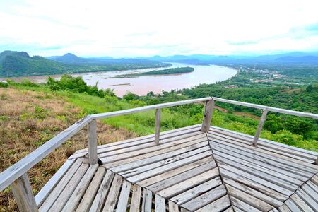 Wooden bridge for walking along the Mekong River and Laos at Phu Lam Duan, Pak Chom District, Loei Province, Thailand Imagens - 132021213