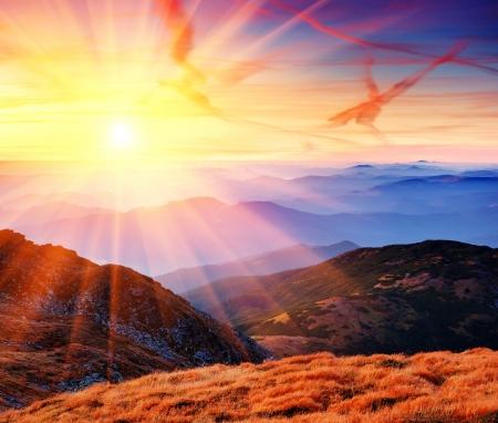 sunrise mountain: Dawn in mountains Karpati, Ukraine. Autumn morning