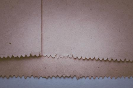 oude krant: Abstracte textuur van oude krant rand. Kleur toning. laag contrast