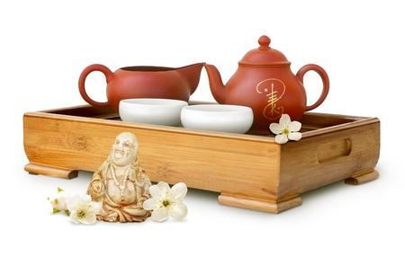 Foto der Teezeremonie auf weißem Hintergrund
