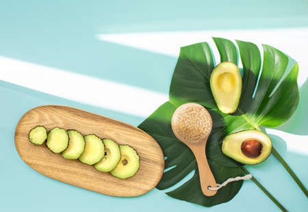 Dry skin cleaning with avocado. Banque d'images