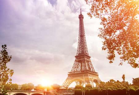 Eiffel Tower from Seine river, Paris, France. Standard-Bild